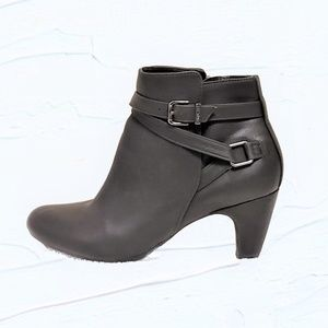 Women's Sam & Libby Ankle Bootie
